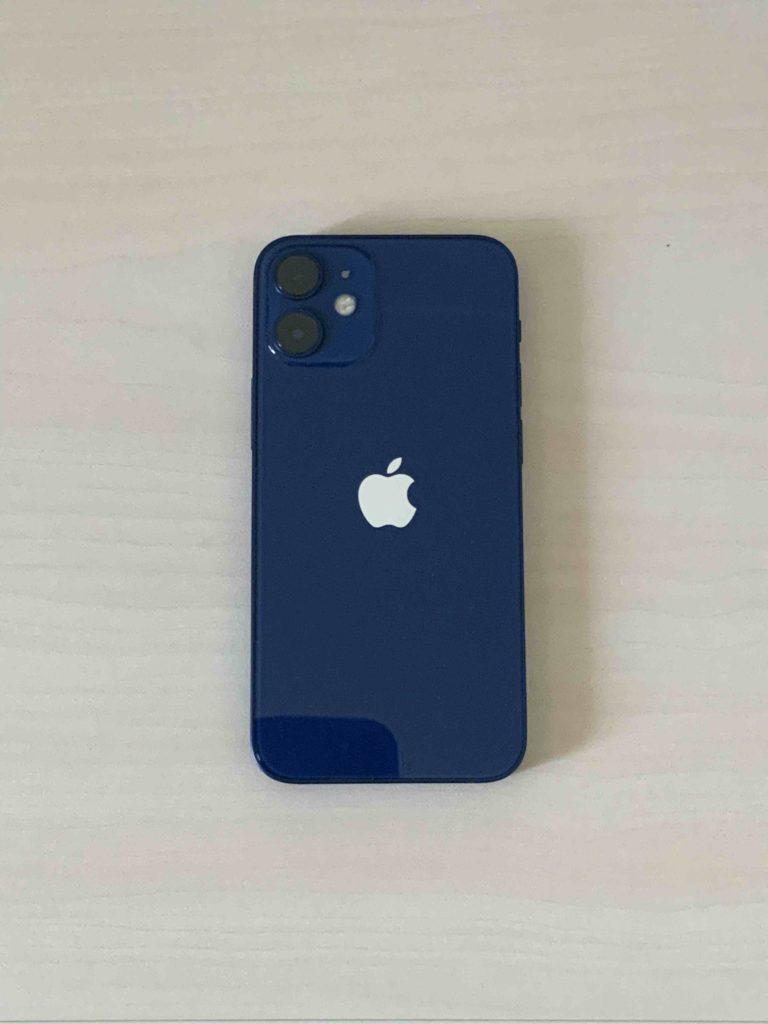 iPhone 12 miniのサイズを8と11で比較